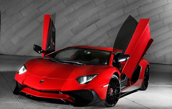 Lamborghini-Aventador-LP750-4-Superveloce-1